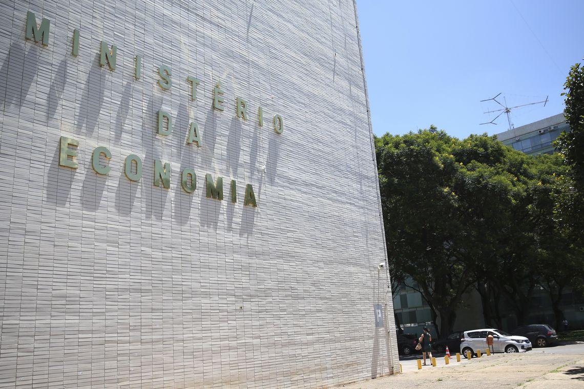Ministério da Economia reduziu 2,9 mil cargos em comissão