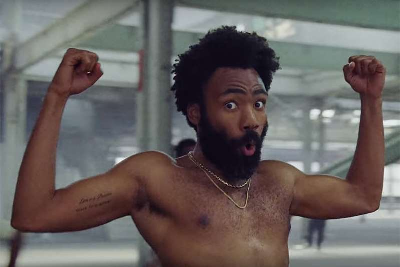 Donald Glover ganha Grammy de canção do ano com 'This Is America' – ouça